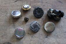 Hermoso lote de varios botones antiguos - Costura moda - Nacarada
