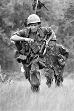 Vietnam War U.S. Army 1st Infantry Division On The Run 1968 8.5x11 Photo