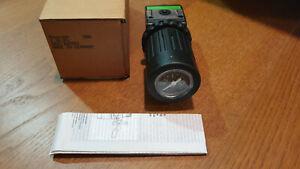 NEW - AVENTICS - Bosch - Rexroth - 0821302559 - Pressure regulator