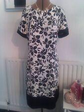 BNWT size 18 black & white fine textured dress