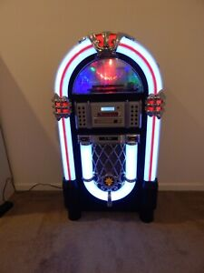 Jukebox and Turntable Plus Surrounding Lighting Effects Perfect for Mancave