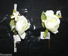 Fleurs, pétales et guirlandes roses sans marque ivoire pour le mariage