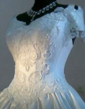 Beautiful Embroidered Ivory Long Train Vintage Princess Wedding Dress Size S