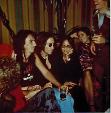 Beatles VINTAGE COLOR PHOTO OF JOHN LENNON AND ALICE COOPER - NEW YORK 1974!!