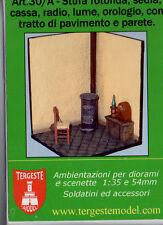 TERGESTE MODEL 30/A Stanza con stufa, sedia, lume, radio, orologio scala 54 mm