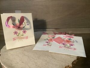 MOTHERS DAY HALLMARK GIFT BAGS LOT OF 3 IVORY FLORAL DESIGN NEW