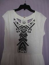 FREE PEOPLE LONG WHITE WOMEN DRESS WITH EMROIDERY AND BACK CUTOUTS SIZE M