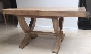 Heritage Oak Dining Table