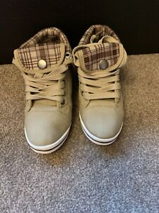 Girls Shoes Khaki boots/shoes, size 12.5 (31)