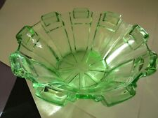 LOVELY GREEN LARGE  DEPRESSION CLASS BOWL PYLON PATTERN