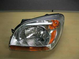 Kia Sportage Left Headlight Assembly 92101 1F031