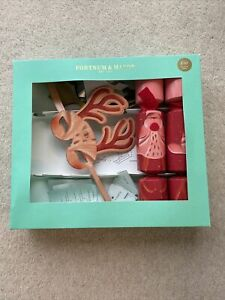 Fortnum & Mason Reindeer Games Christmas Crackers And Contents