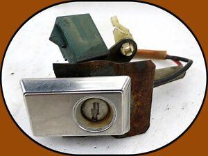 1972-1979 LINCOLN CONTINENTAL MARK V LEFT OR RIGHT DOOR LIGHTED KEY LOCK BEZEL