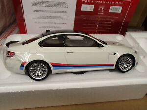 1/18 - BMW M3 M stripes - blanc - GT SPIRIT - NEUF