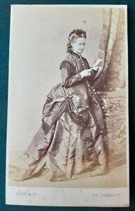 Carte de visite: Smiling Society Lady, Gush & Co, Victorian photo, cdv