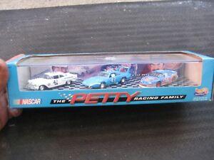 NASCAR The Petty Racing Family Hot Wheels Set