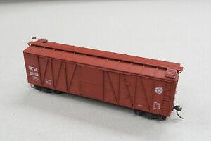 Accurail HO Western Maryland 9-Panel Wood Boxcar - custom detailed
