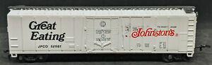 BACHMANN HO: Johnston's Great Eating JCPO #52551 REEFER BOXCAR, WHITE, VINTAGE