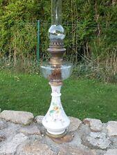 Grande lampe à pétrole Auréole en porcelaine et Cristal XIXème siècle