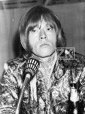 BRIAN JONES Mode Fashion VESTE PSYCHEDELIQUE Rolling Stones Micro Photo 1967