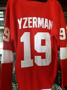STEVE YZERMAN   #19 DETROIT RED WINGS RED REPLICA JERSEY MEN'S SIZE 52 (XL) NEW!