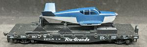 HO Athearn Rio Grande Flat Car with Plane D & RG W 22318 - VINTAGE