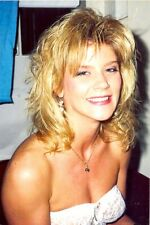 GINGER LYNN - CHEESEY SMILE !!!!!!!