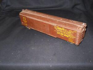 Wooden 50' Santa Fe Double Door Box Car #7941