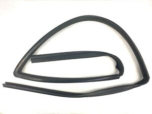 97-01 Honda CRV Right Front Window Run Channel Molding Glass Guide Rubber Seal