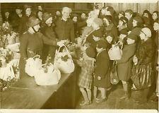 """""""L'Armée du Salut au Palais de la Femme"""" Photo originale G. DEVRED (Agce ROL)"""