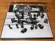 McLaren - David Coulthard - 1/43 Scale F1 Pit Stop Diorama Figures x 17 - NEW