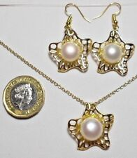 """Freshwater Pearls, Necklace + earrings, 19.5"""" chain, gold colour"""