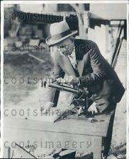 1932 Dr C G Abbott Secretary Smithsonian Device Measures Radiation Press Photo