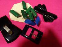 grand LOT===b des boutons verts /bleus et des boucles couture vintages