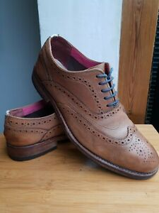 TED BAKER TAN LEATHER FULL BROGUES == UK 10 ==