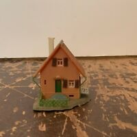 Vintage Plastic Brown Residential House Model Railroad N Scale