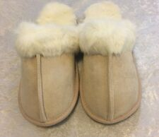 BNIP Victoria's Secret PINK DOG EMBROIDERED FAUX FUR SLIPPERS/ SLIDES S.  5-6
