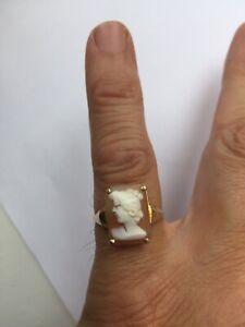 Ladies Gold 9ct Vintage Cameo Ring