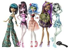 2012  Mattel MONSTER HIGH SKULL SHORES 5-Pack Gift Set w/3 EXCLUSIVE Dolls