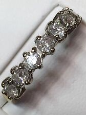 18Ct Gold Ring Set With 7 Large Diamonds Totalling 1Ct