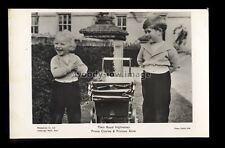 r4300 - Trh. Prince Charles & Princess Anne playing with a Dolls Pram - postcard
