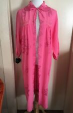 Vtg 50s pink Embroidered Long Sleeve Tie Front Robe Duster Housecoat Floral S/M