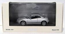 Véhicules miniatures gris sous boîte fermée pour Alfa Romeo