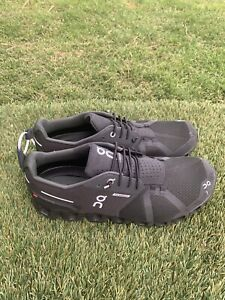 Men's On Cloud Waterproof Running Shoes Sz 9.
