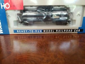 WALTHERS 932-7219 HO UTLX 16,000 GAL. FUNNEL FLOW TANK CAR MCP DMIX 190087 - RTR