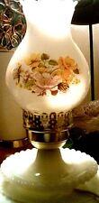 Nice vintage lamp milk glass/flower