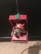Enesco Miss Merry Mouse Pops Up out of gift box w hand mirror Christmas Ornament