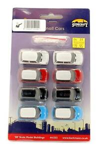 BACHMANN SCENECRAFT 'OO' GAUGE 44-533 PACK OF 8 SMALL CARS (FOR USE WITH 38-250)
