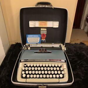 Vintage SCM Smith Corona Classic 10 Manual Typewriter W/ Hard Case Tested