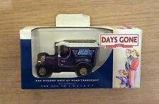 Lledo Days Gone Collectors Club Model 2002 - Dg050046 Bull Nose Morris Van Boxed